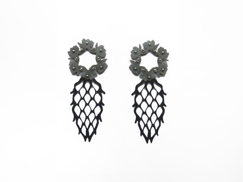 Liz Clark, Fruited Laurels, 2016, earrings, steel, sterling silver, 83 x 32 mm, photo: Arthur Hash