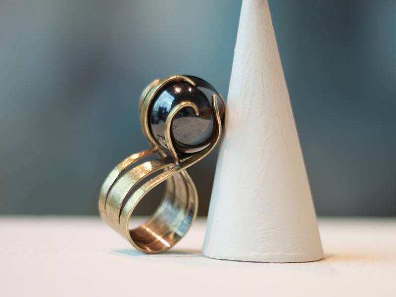 Maria Irvine, Untitled Ring, 2019