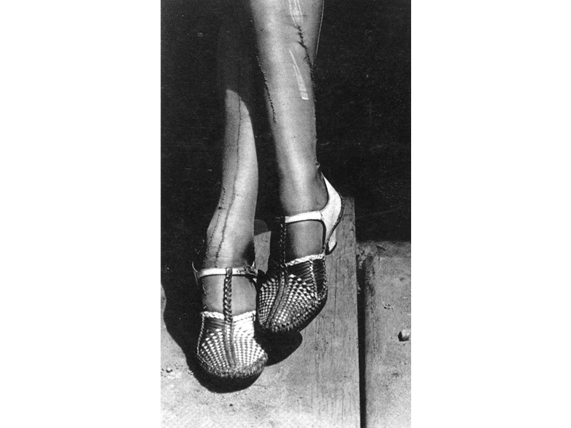 Dorothea Lange, Mended Stockings, 1934, photo: The Oakland Museum, Oakland, California