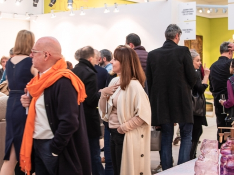 Visitors at Collect 2019, photo: Iona Wolff