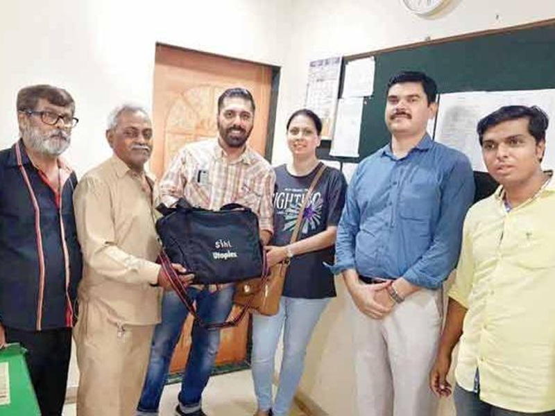 Auto driver Bipinbhai Patel with Zulfikar and Rachna Lakdawala
