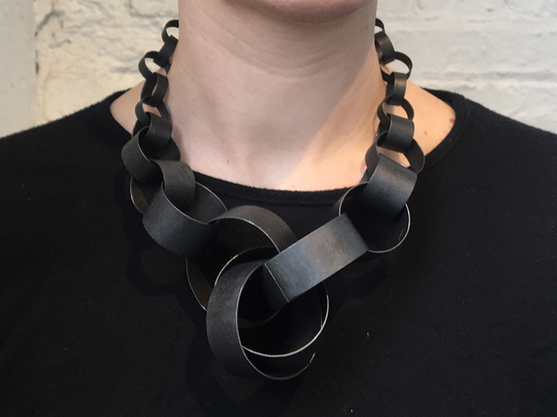 Susanne Henry, Graduated Chain Large Cluster Choker