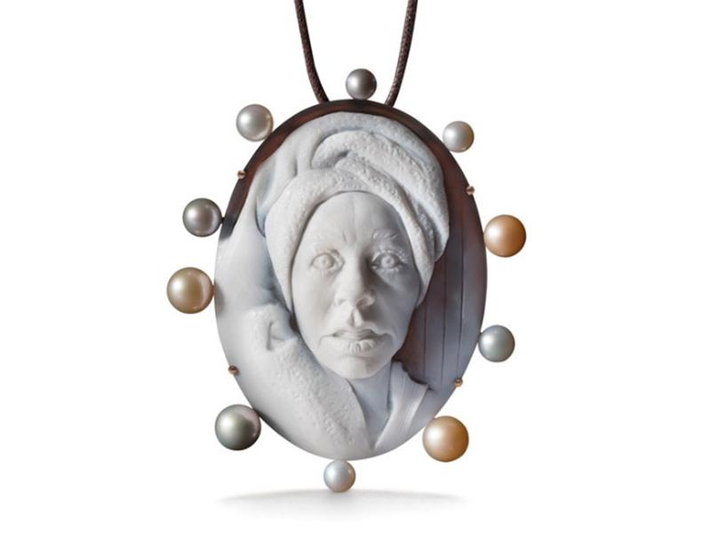 Spa pendant by Cindy Sherman